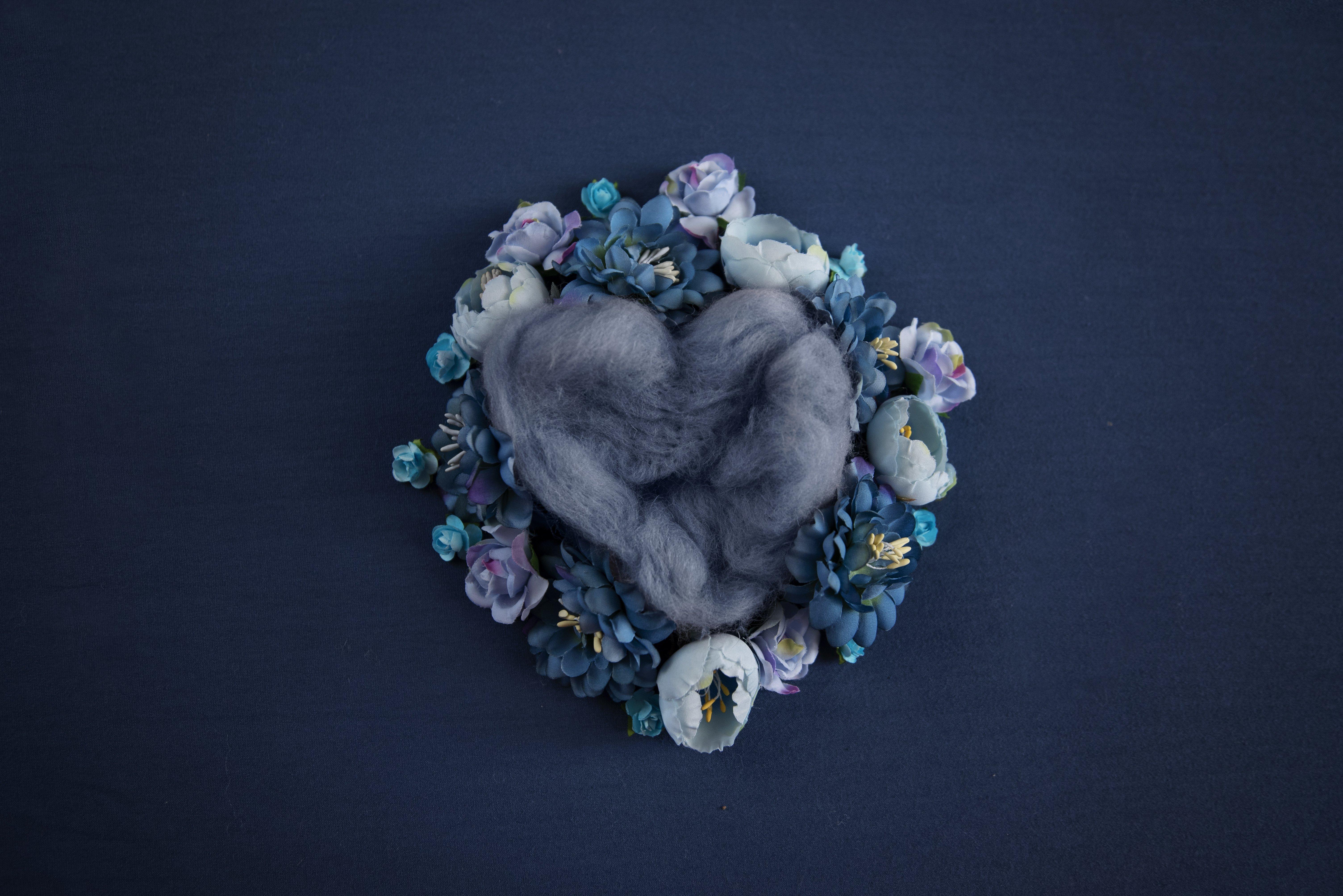 NAVY BLUE LOVE HEART POD (DIGITAL)
